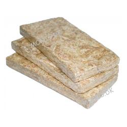 3 plader med hver 100 gram Dragon Spagnum mos til fugtskjul hos frøer og slanger. Opblødes i vand.